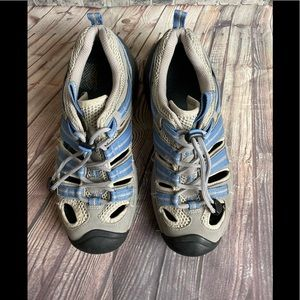 Keen women's shoes size 8.5 hiking/athletic blue